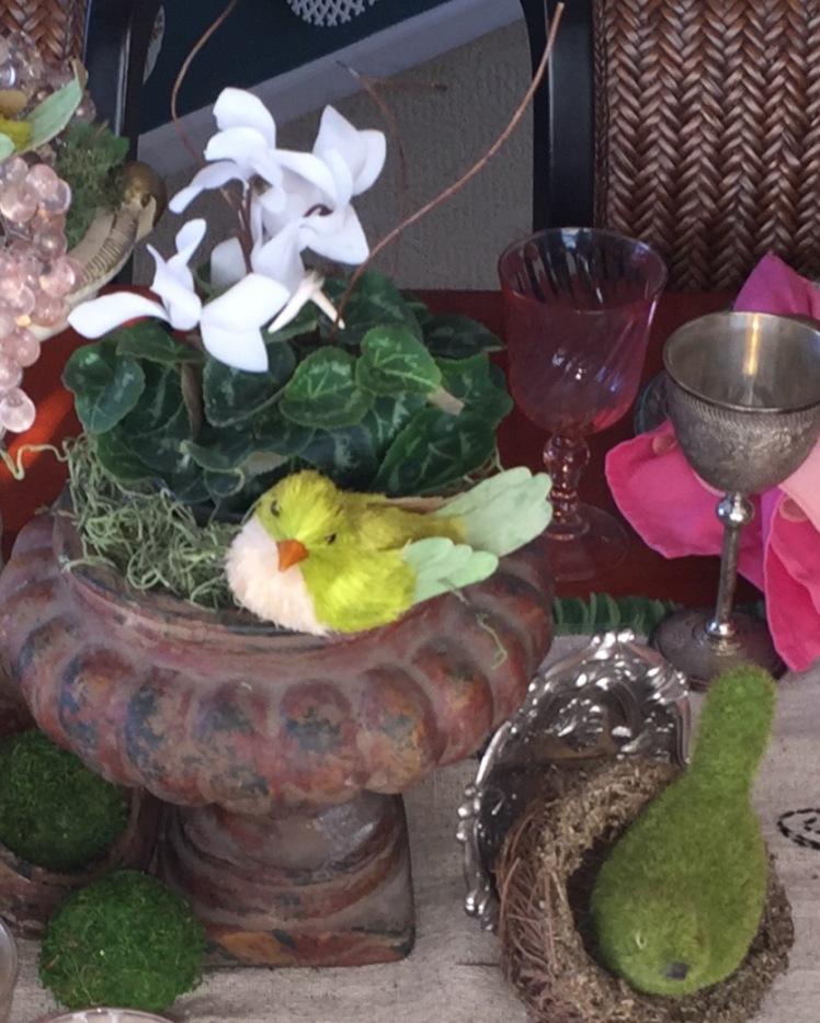 spring table - center piece close up